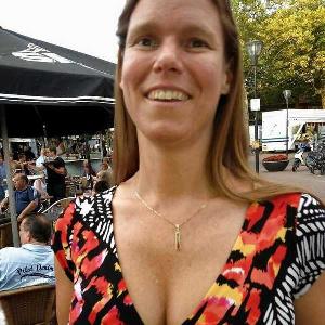 Mittelalte Frau